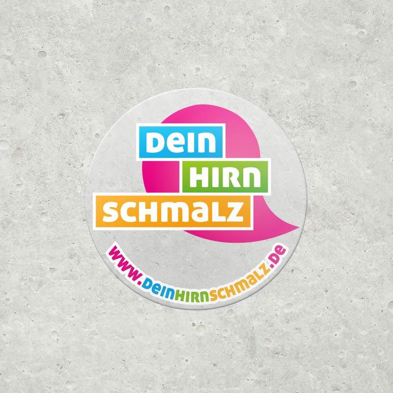 Aufkleber als Werbemittel für ein Projekt der Q3. Quartier für Medien.Bildung.Abenteuer gemeinnützige GmbH, Traunstein